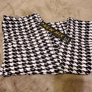 NWT New Mix houndstooth leggings